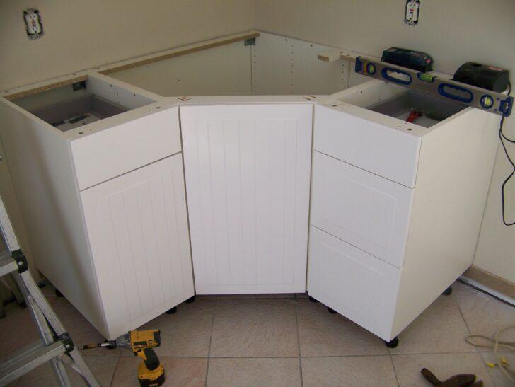 Medium Size of Eckschrank Ikea Küche Frischen Look Kche Unterschrank Einfaches Design Jalousieschrank Grifflose Planen Kleine Einrichten Deckenleuchte Wohnzimmer Eckschrank Ikea Küche