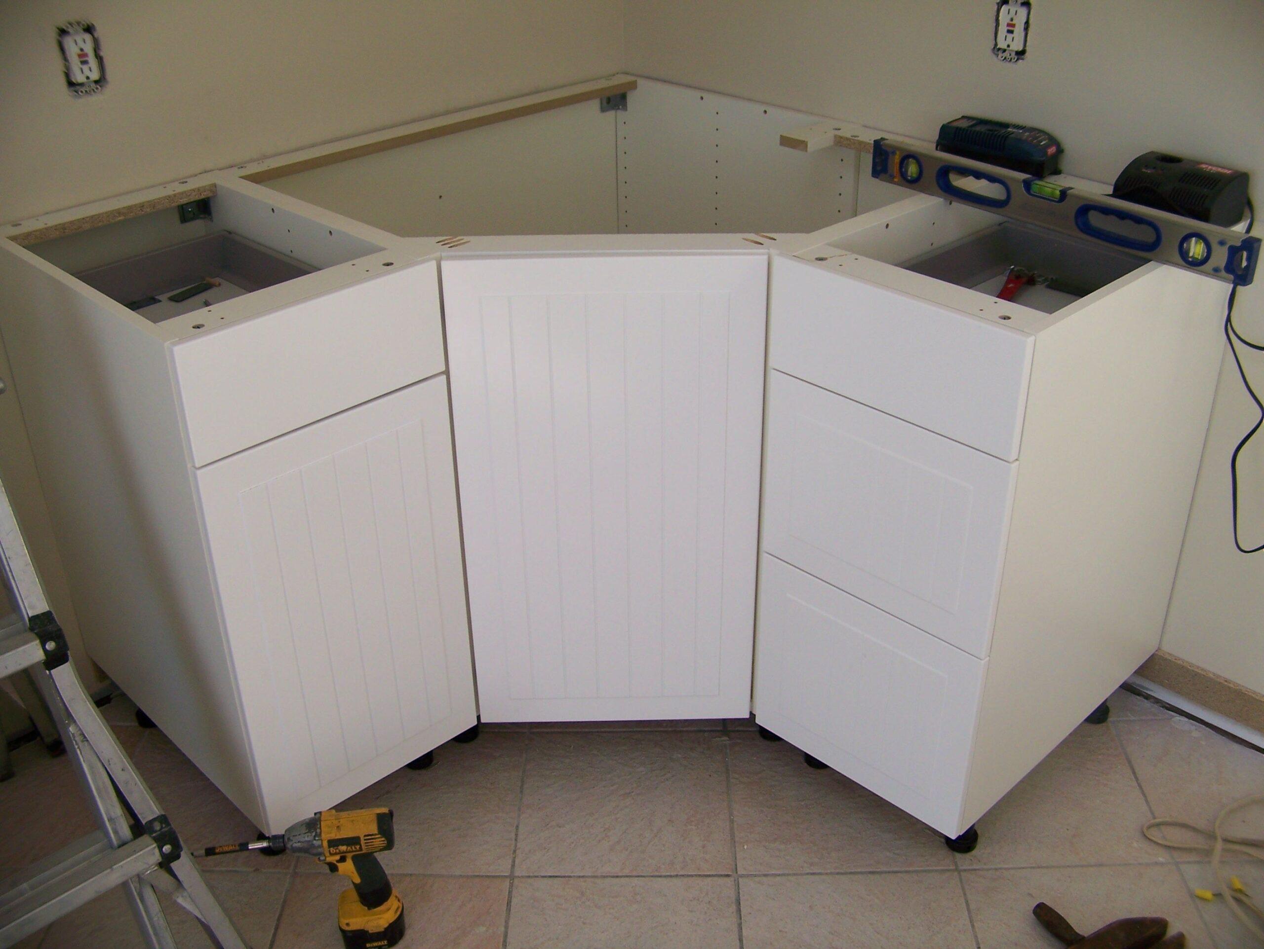 Full Size of Eckschrank Ikea Küche Frischen Look Kche Unterschrank Einfaches Design Jalousieschrank Grifflose Planen Kleine Einrichten Deckenleuchte Wohnzimmer Eckschrank Ikea Küche