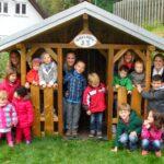 Neues Spielhaus Im Kindergarten St Agatha In Bilstein Rattan Sofa Garten Vertikaler Ausziehtisch Pool Guenstig Kaufen Skulpturen Gewächshaus Und Wohnzimmer Spielhaus Kinder Garten