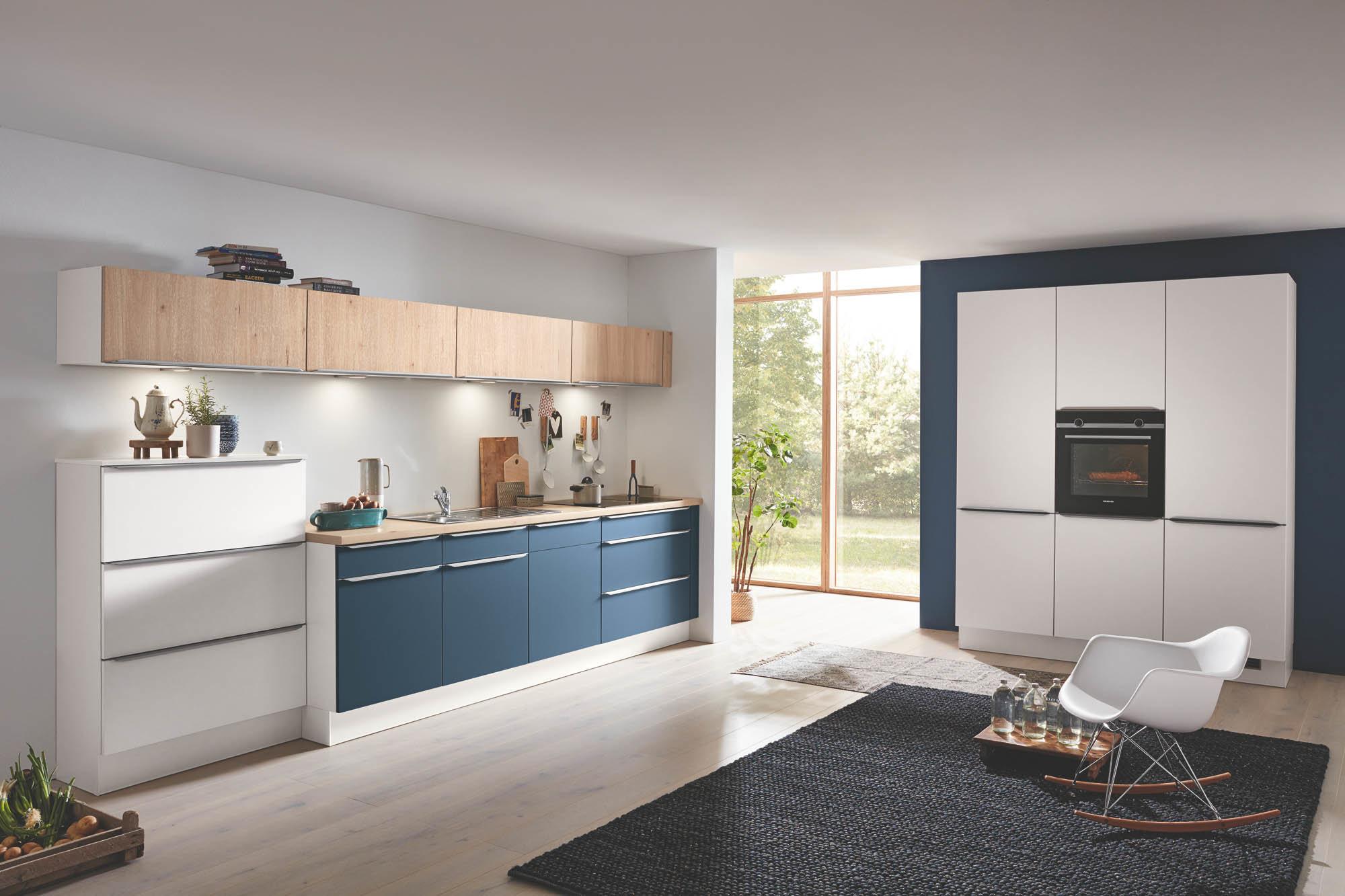 Full Size of Küche Blau Moderne Weie L Kche Kchenzeile Schnell Und Przise Ikea Kosten Kaufen Schreinerküche Pendelleuchten Einbauküche Form Wandverkleidung Eiche Hell Wohnzimmer Küche Blau