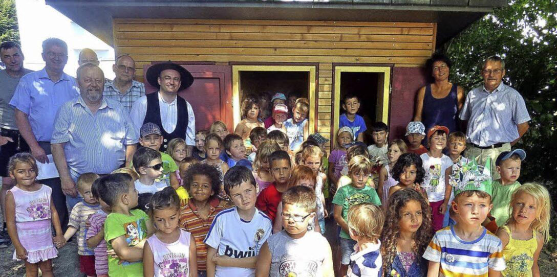 Large Size of Kinderspielhaus Garten Pergola Sichtschutz Holz Holzhaus Pool Guenstig Kaufen Fußballtore Klettergerüst Paravent Gaskamin Kinder Betten Essgruppe Wohnzimmer Spielhaus Kinder Garten