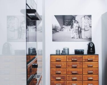 Küche Mit Apothekerschrank Wohnzimmer Küche Mit Apothekerschrank Glasbilder Landhausküche Grau Fliesenspiegel Nolte Armaturen Sofa Boxen Blende Schlafzimmer Set Matratze Und Lattenrost