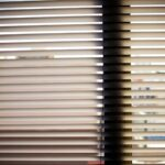 Fenster Jalousien Innen Fensterrahmen Wohnzimmer Fenster Jalousien Innen Fensterrahmen Bauhaus Montageanleitung Ohne Bohren Montieren Obi Elektrisch Rollo Ersatzteile Wer Muss Online Konfigurieren Kbe Pvc