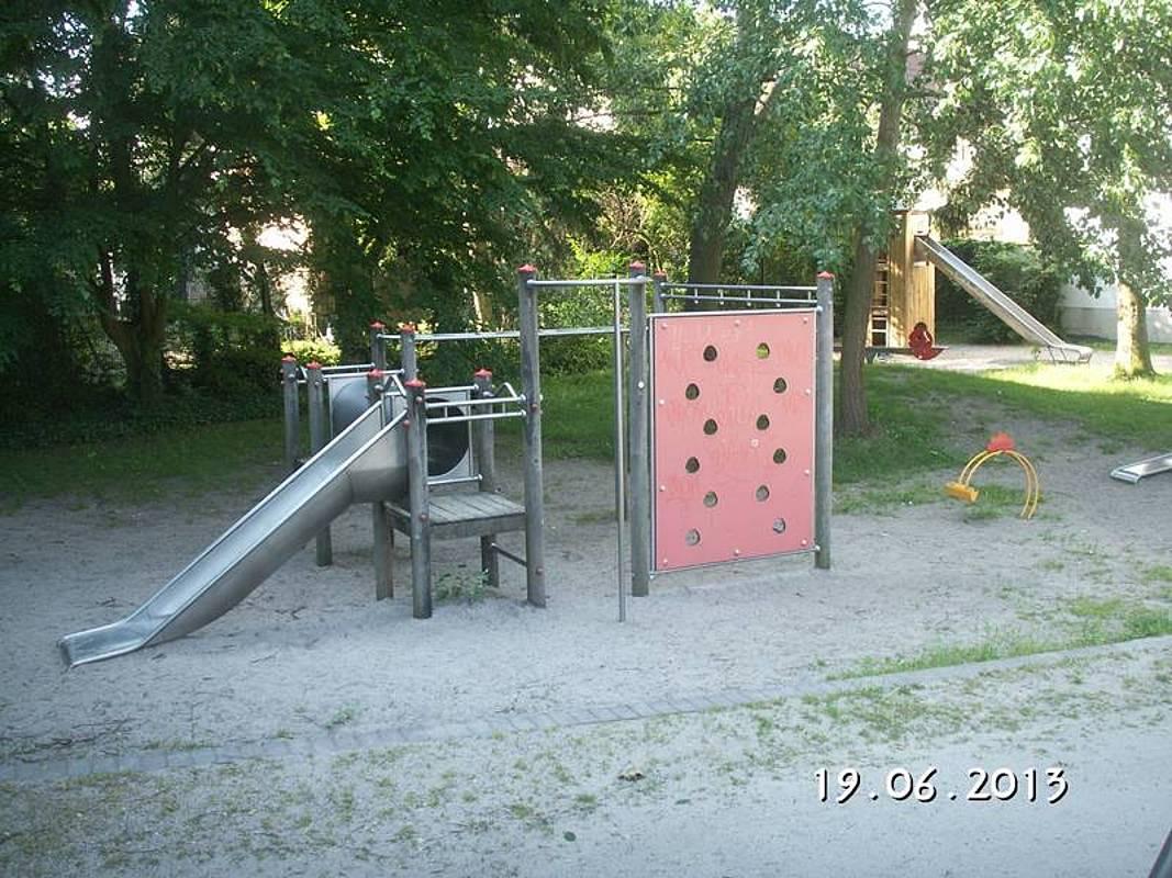 Full Size of Bau Des Hospiz Kindergarten Spitalplatz Spielturm Bauhaus Fenster Garten Kinderspielturm Wohnzimmer Spielturm Bauhaus