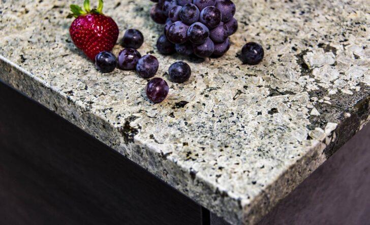 Medium Size of Naturstein Arbeitsplatte Alle Infos Zu Arbeitsplatten Aus Stein Küche Granitplatten Sideboard Mit Wohnzimmer Granit Arbeitsplatte