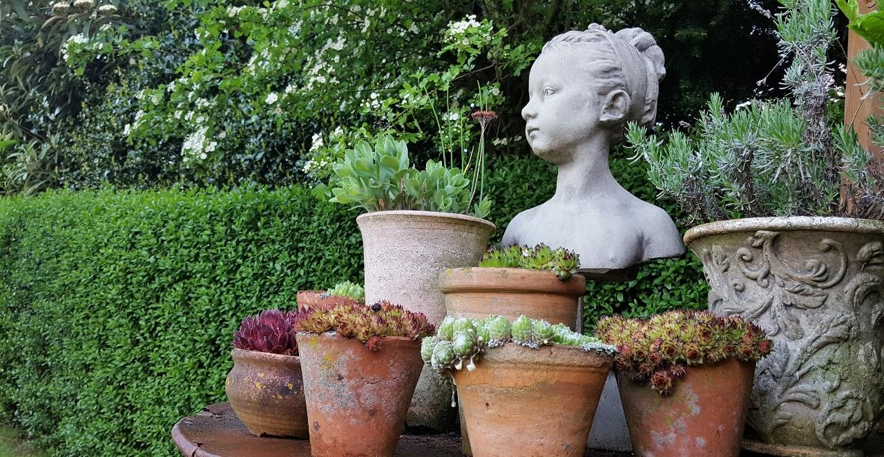 Full Size of Garten Skulpturen Gartenskulpturen Kaufen Modern Steinguss Stein Sofa Günstig Outdoor Küche Velux Fenster Betten Pool Guenstig Duschen Billig Amerikanische Wohnzimmer Gartenskulpturen Kaufen