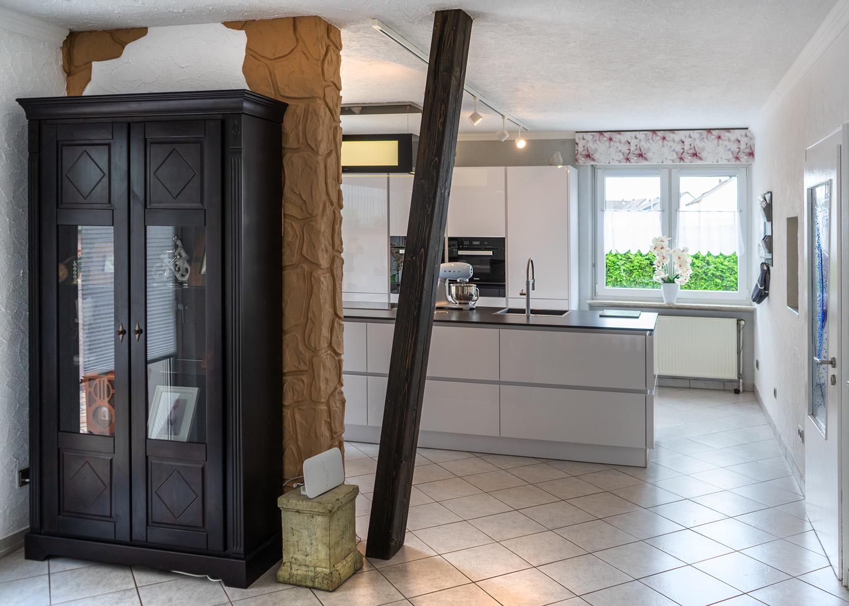 Full Size of Kundenkche Differten Ausstellungskche Mit Kochinsel Und Miele Wohnzimmer Ausstellungsküchen