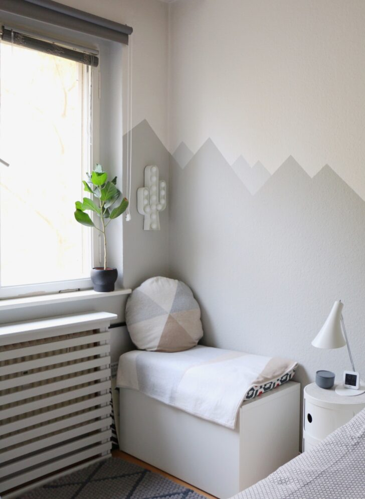 Wandgestaltung Kinderzimmer Jungen Mountain Nursery Wallpaint Im Babyzimmer Eat Regal Regale Sofa Weiß Wohnzimmer Wandgestaltung Kinderzimmer Jungen