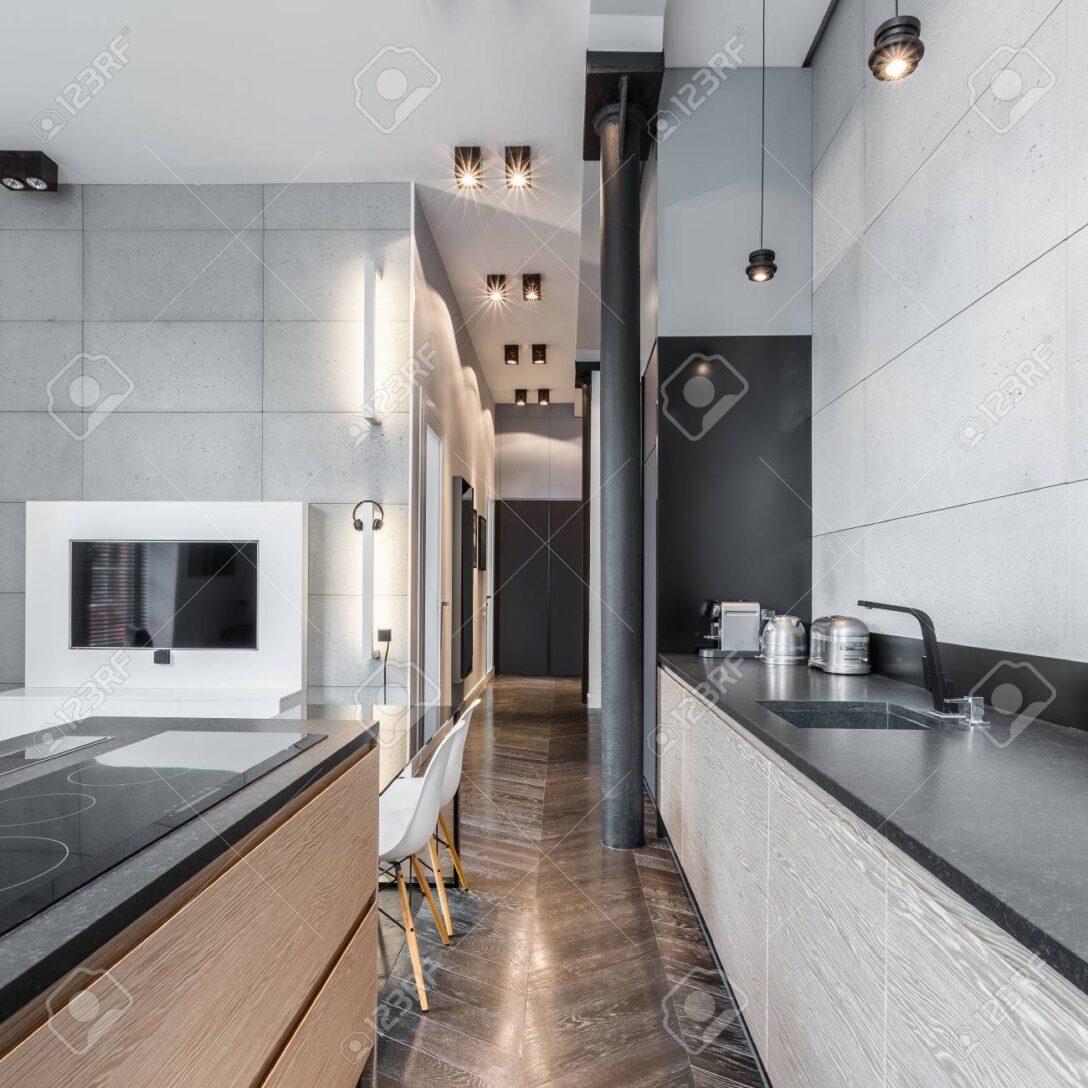 Large Size of Küchen Funktionelle Kche Mit Schwarzer Arbeitsplatte Und Led Wohnzimmer Bad Schlafzimmer Küche Wohnzimmer Küchen Deckenleuchte
