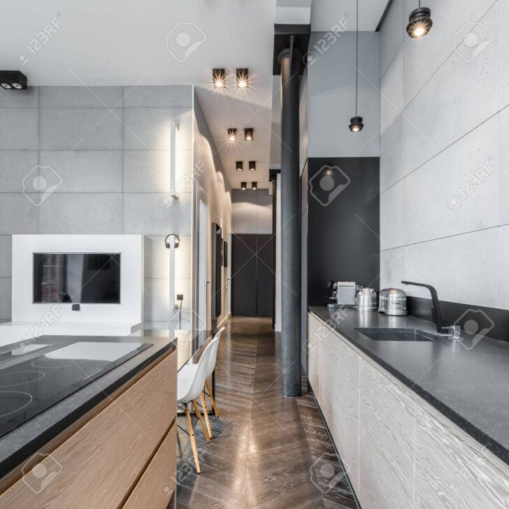 Medium Size of Küchen Funktionelle Kche Mit Schwarzer Arbeitsplatte Und Led Wohnzimmer Bad Schlafzimmer Küche Wohnzimmer Küchen Deckenleuchte