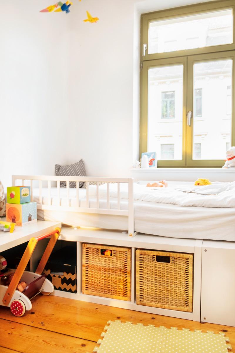 Full Size of Podestbett Ikea Montessori Kinderzimmer Einrichten Kleinkind 2 3 Jahre The Krauts Modulküche Miniküche Betten Bei Küche Kosten Kaufen Sofa Mit Wohnzimmer Podestbett Ikea