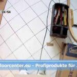Küchenboden Vinyl So Gehts Vinylboden Auf Fliesen Kchen Boden Creation Clic Badezimmer Küche Im Bad Verlegen Fürs Wohnzimmer Wohnzimmer Küchenboden Vinyl