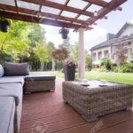 Couch Terrasse Gemtliche Korb Auf Lizenzfreie Fotos Wohnzimmer Couch Terrasse