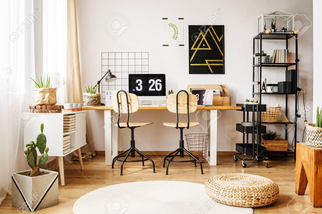Full Size of Nordic Interior Im Zimmer Fr Teenager Mit Poster Regal Hochschrank Weiß Hochglanz Lampe Wohnzimmer Betten Für Vitrine Xxl Planer Schlafzimmer Komplett Wohnzimmer Zimmer Teenager