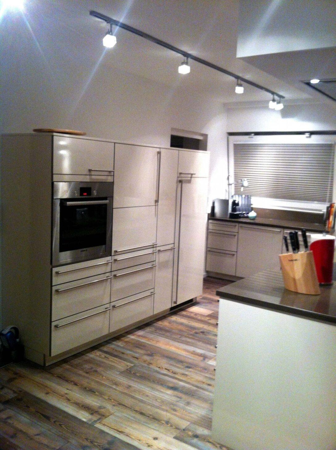 Large Size of 25 Luxus Einbaukche Mit Viel Stauraum Kitchen Aluminium Bad Hängeschrank Weiß Hochglanz Badezimmer Küche Höhe Glastüren Wohnzimmer Nolte Schlafzimmer Wohnzimmer Nolte Hängeschrank