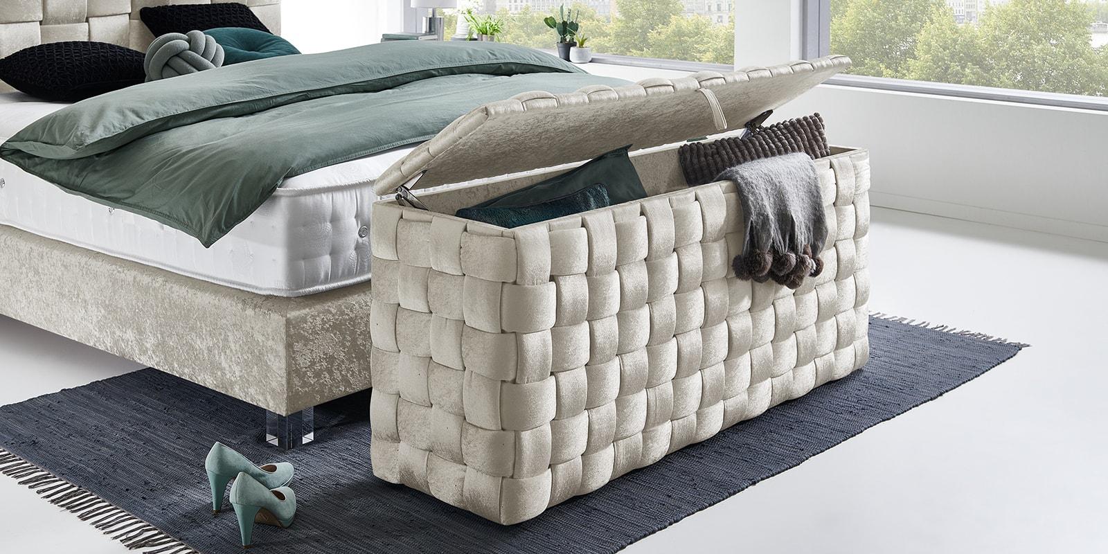 Full Size of Boxspringbett Beige Samt 200x200 180x200 Glaenzend Wales 6 Schlafzimmer Set Mit Sofa Wohnzimmer Boxspringbett Beige Samt