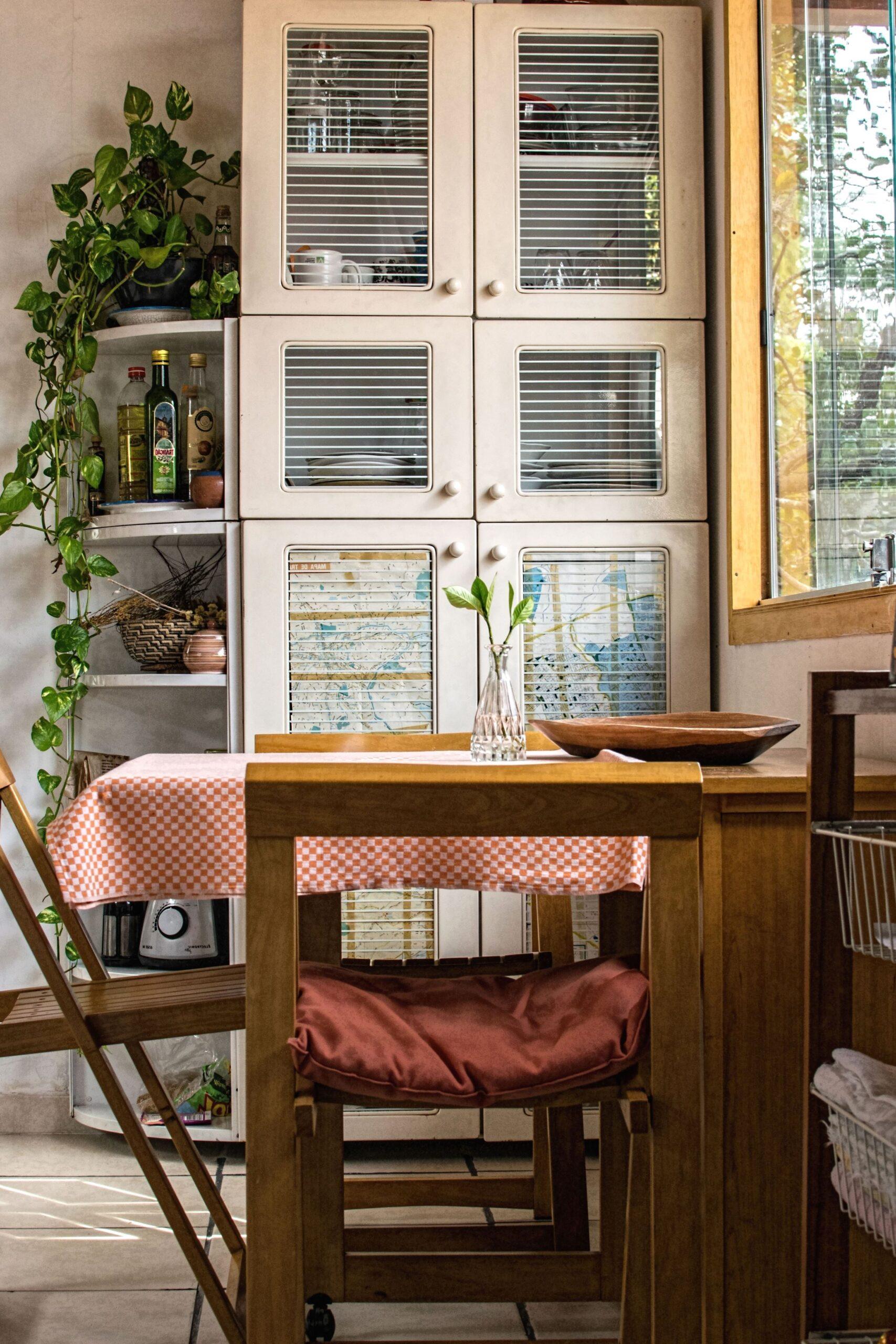 Full Size of Küche Fenster Kostenlose Bild Residenz Mit Theke Ohne Geräte Industrielook Regal 120x120 Kaufen In Polen Alno Hannover Deko Für Internorm Preise Tauschen Wohnzimmer Küche Fenster