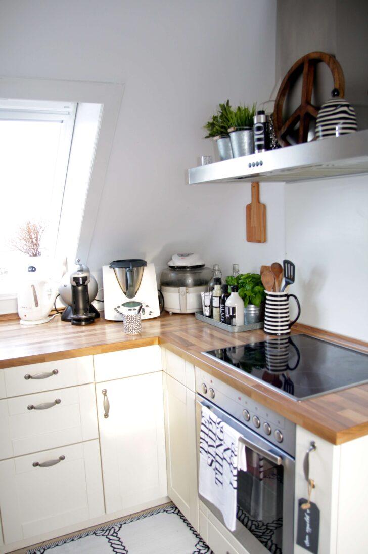 Medium Size of Dachgeschoss Kche Einrichten Design Dots Glaswand Küche Bodenfliesen Billige Rückwand Glas Industrie Fettabscheider Einbauküche Gebraucht U Form Barhocker Wohnzimmer Küche Dachgeschoss