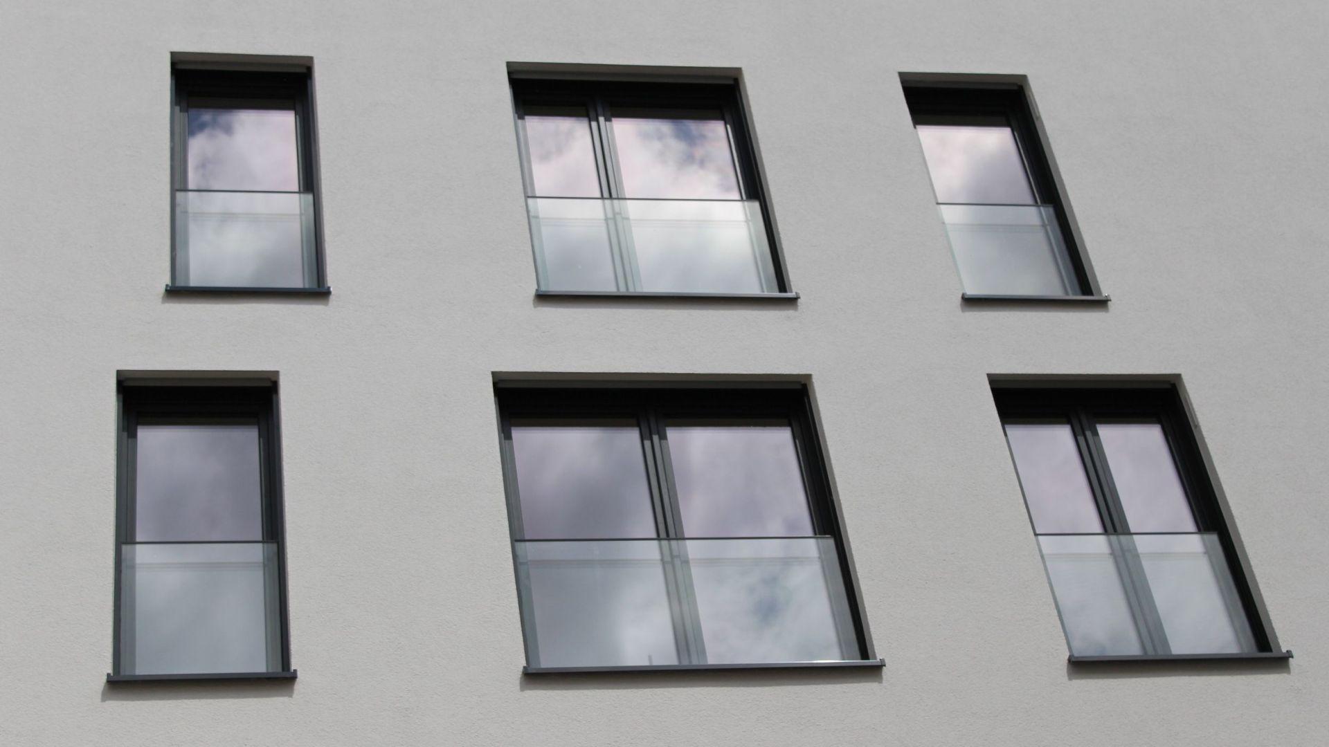 Full Size of Geteilte Bodentiefe Fenster Sichtschutz Geteilt Bodentief Einbauen Video Kaufen Anthrazit Velux Flachdach Klebefolie Insektenschutz Putzen Veka Rollos Innen Wohnzimmer Bodentiefe Fenster Geteilt