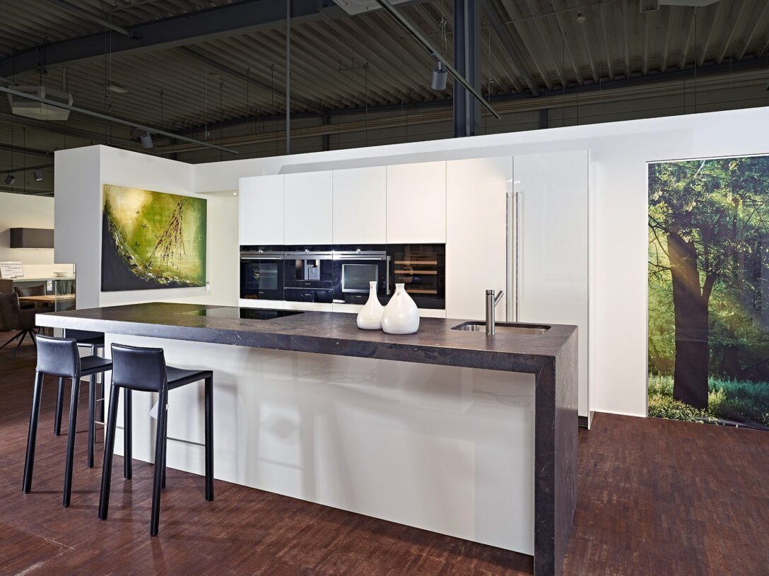 Large Size of Baslimline Inselkche Mit Besonderer Granit Arbeitsplatte Koje Granitplatten Küche Sideboard Arbeitsplatten Wohnzimmer Granit Arbeitsplatte