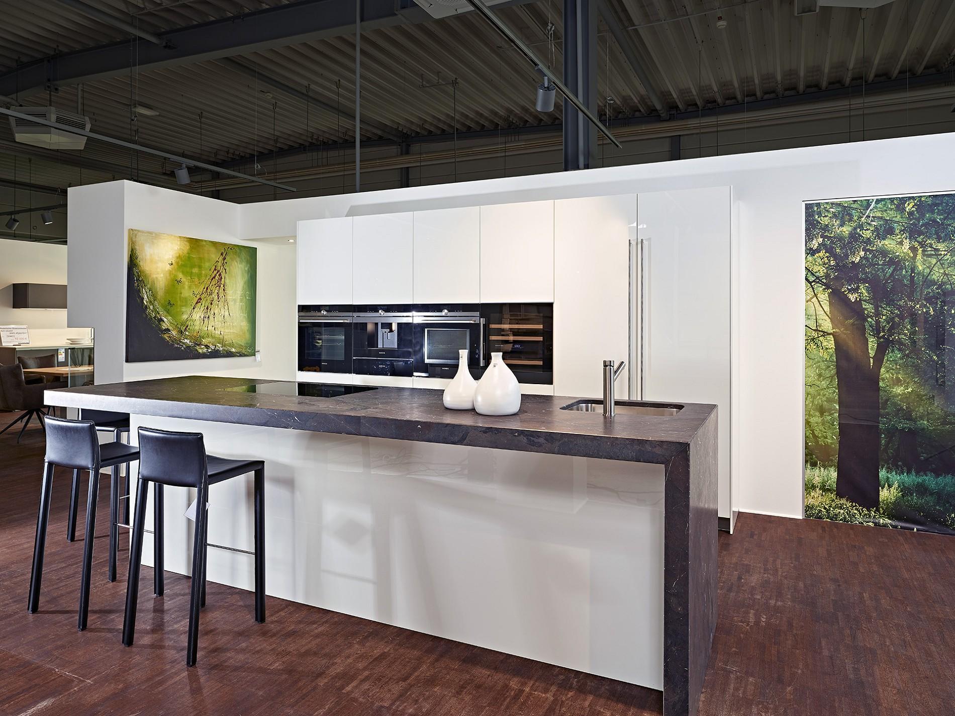 Full Size of Baslimline Inselkche Mit Besonderer Granit Arbeitsplatte Koje Granitplatten Küche Sideboard Arbeitsplatten Wohnzimmer Granit Arbeitsplatte