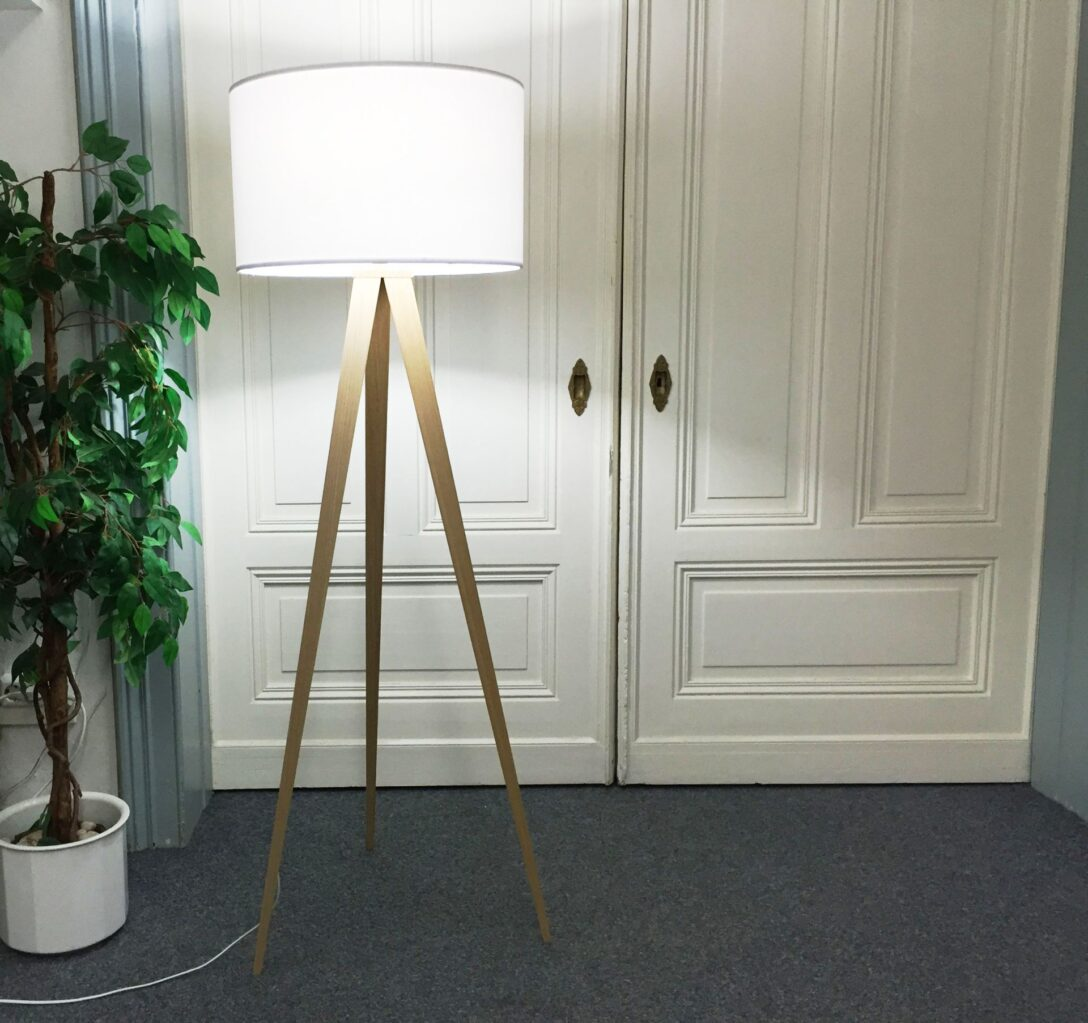 Full Size of Esstisch Massivholz Küche Holz Weiß Massiv Modern Holzregal Regal Holzofen Schlafzimmer Komplett Modulküche Wohnzimmer Stehlampe Bett 180x200 Fliesen Wohnzimmer Ikea Stehlampe Holz