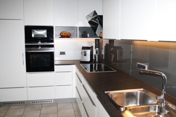 Medium Size of Küche Zweifarbig Unsere Referenzen In Brggen Wandverkleidung Mit Elektrogeräten Kreidetafel Pendelleuchten Hochschrank Kräutergarten Amerikanische Kaufen Wohnzimmer Küche Zweifarbig