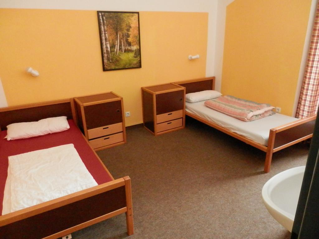 Full Size of Hotel Jugend Und Bildungssttte Deutschland Scharbeutz Luxus Betten Tagesdecken Für Billige Günstig Kaufen Bett Team 7 200x220 Meise Somnus Günstige 140x200 Wohnzimmer Betten Jugend