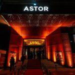 Astor Film Lounge Hier Treffen Kino Und Luxus Aufeinander Singleküche Mit Kühlschrank Betten Berlin Massivholz Massiv Boxspring Sofa Schlaffunktion Wohnzimmer Kino Mit Betten