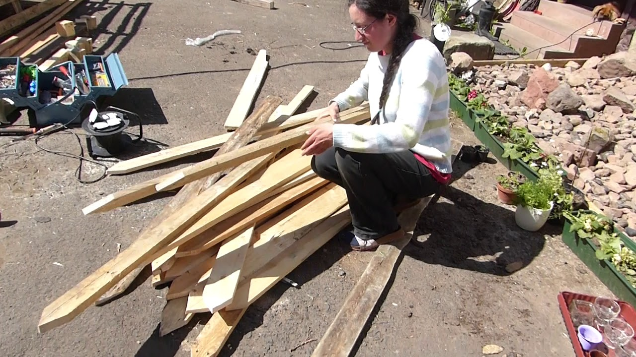 Full Size of Freetopia Vlog 40 Arbeit Am Paletten Zaun Youtube Bett 140x200 Regale Aus Europaletten Kaufen Garten Regal Wohnzimmer Zaun Paletten