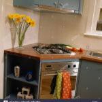 Eckschränke Küche Herd Und Backofen Ausgestattet Eckschrank In Modernen Kche Rosa Eiche Arbeitsplatte Fliesenspiegel Pendelleuchten Wandverkleidung U Form Wohnzimmer Eckschränke Küche