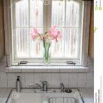 Küche Fenster Wohnzimmer Küche Fenster Kche Stockbild Bild Von Fliese Schüco Preise Massivholzküche Schräge Abdunkeln Landhausküche Weiß U Form Nachträglich Einbauen Wandpaneel