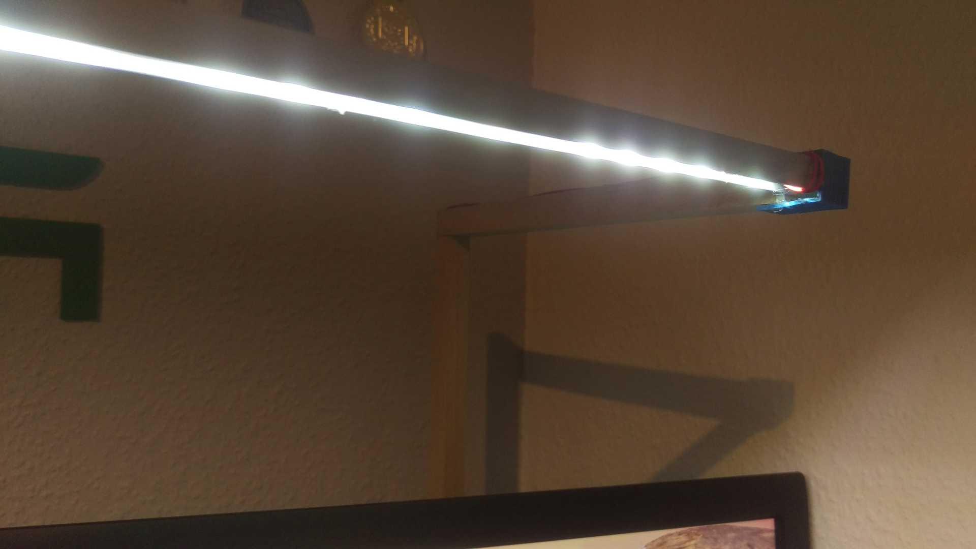 Full Size of Holz Led Lampe Selber Bauen Schreibtiselbst Und Lten Diy Techde Bad Lampen Fliesen Holzoptik Schlafzimmer Holzküche Altholz Esstisch Deckenleuchte Küche Wohnzimmer Holz Led Lampe Selber Bauen