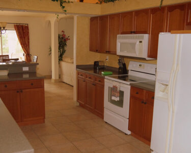 Rosa Küche Wohnzimmer Kche Und Hauswirtschaftsraum Villa Bella Rosa Apothekerschrank Küche Sitzecke Kurzzeitmesser Kreidetafel Musterküche Fototapete Einhebelmischer Blende