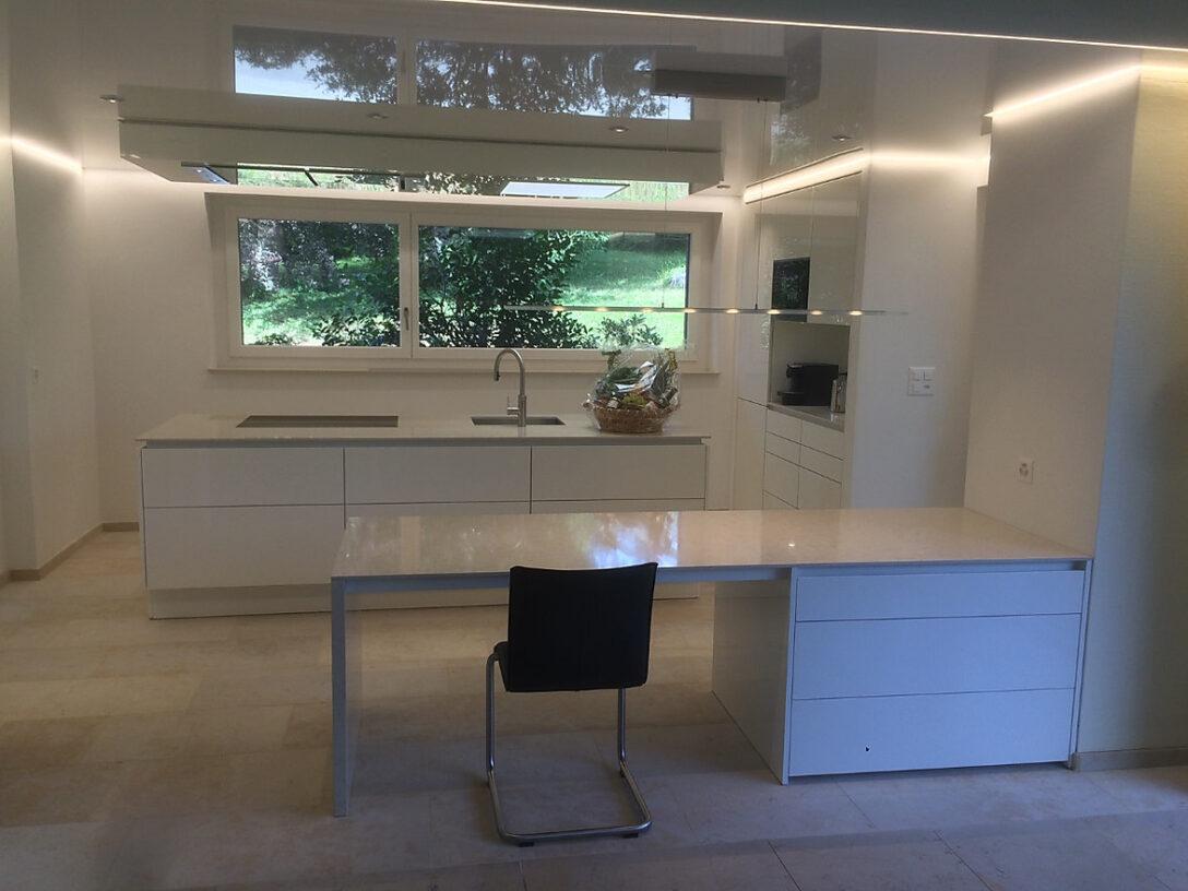 Large Size of Poggenpohl Mit Insel Spanndecke Und Eingebauter Haube In Der Küchen Regal Wohnzimmer Poggenpohl Küchen