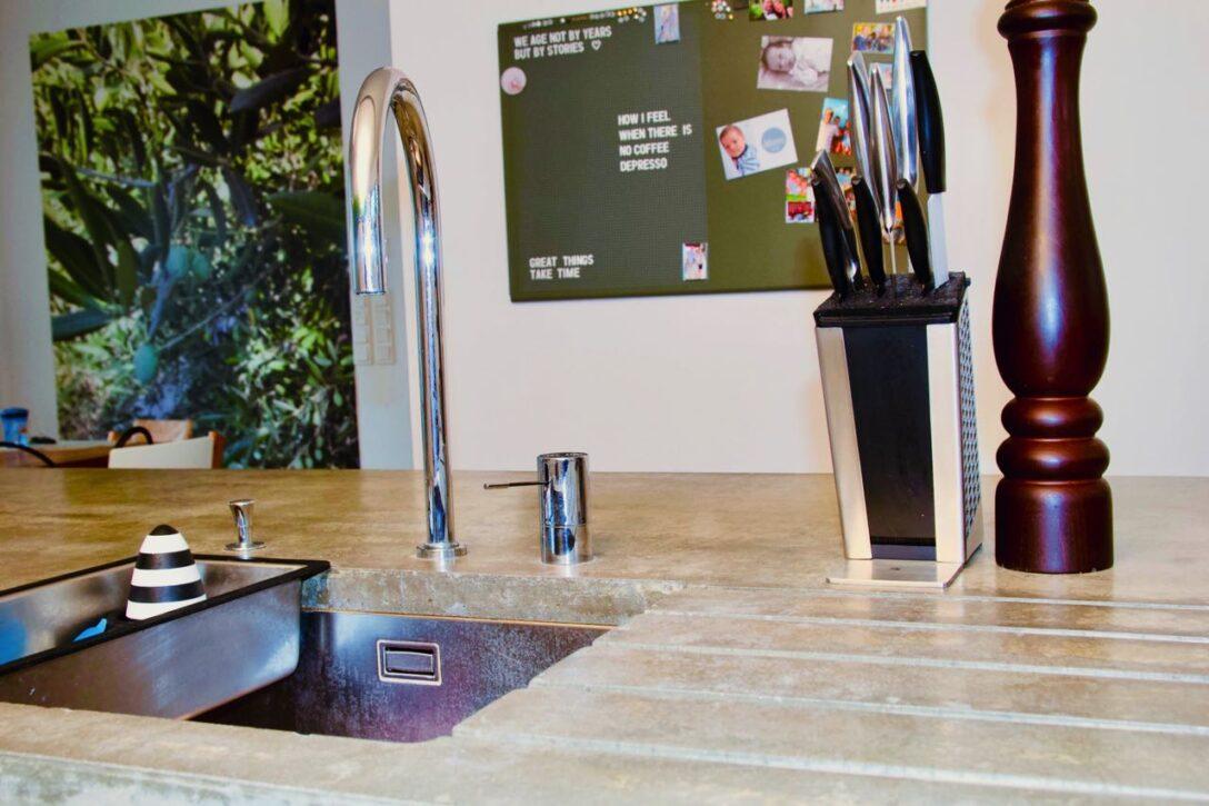 Large Size of Familie Havel Und Ihr Neuer Lieblingsplatz Kchen Journal Deckenlampe Bad Deckenlampen Wohnzimmer Modern Hängelampe Bett überlänge Lampen überdachung Garten Wohnzimmer Lampe über Kochinsel