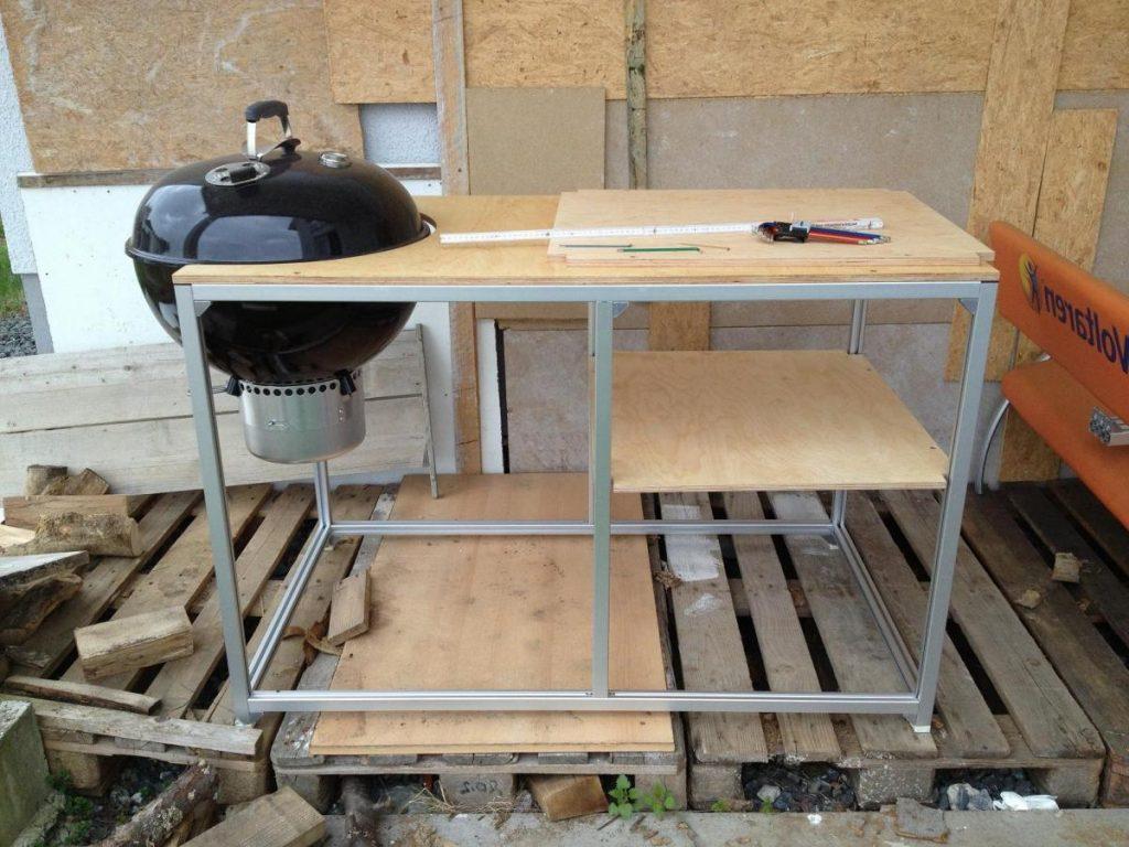Full Size of Grill Beistelltisch Ikea Weber Tisch Selber Bauen Ch Metall Miniküche Modulküche Betten 160x200 Küche Kosten Kaufen Sofa Mit Schlaffunktion Bei Wohnzimmer Grillwagen Ikea