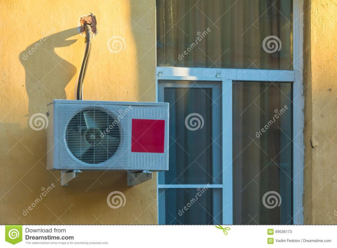 Large Size of Fenster Klimaanlage Schlauch Adapter Klimaanlagen Abdichten Noria Einbauen Kaufen Test Wohnwagen Abdichtung Und Auf Stockbild Bild Von Einzeln Aco Wohnzimmer Fenster Klimaanlage