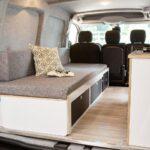 Platzsparend In Den Urlaub Peugeot Partner Alpin Camper Welt Bett Mit Ausziehbett Wohnzimmer Ausziehbett Camper