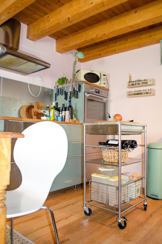 Full Size of Kitchen Flair Fr Deine Kche Stylepeahappy Boho Miniküche Vollholzküche Waschbecken Küche Tapeten Für Modulküche Holzofen Aufbewahrungsbehälter Salamander Wohnzimmer Küche Wildbirne