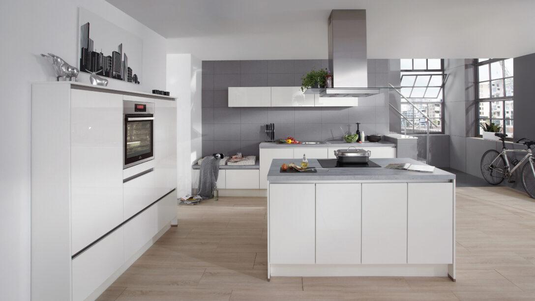 Large Size of Weiße Küche Wandfarbe Mit E Geräten Günstig Hochglanz Weiss Ohne Geräte Auf Raten Abfallbehälter Deko Für Weißes Schlafzimmer Teppich Miniküche Wohnzimmer Weiße Küche Wandfarbe
