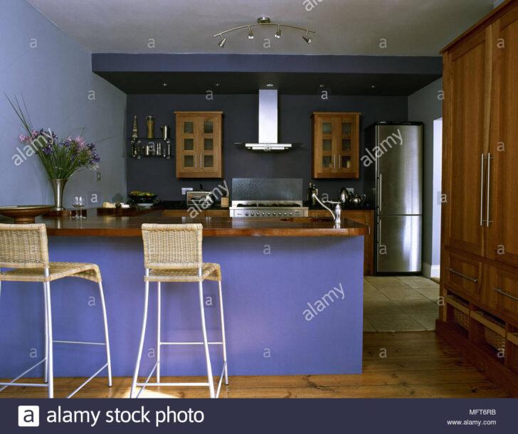 Medium Size of Küche Blau Bodenfliesen Pino Landhausküche Gebraucht Massivholzküche Günstig Mit Elektrogeräten Doppel Mülleimer Umziehen Fettabscheider Bank Weiß Wohnzimmer Küche Blau