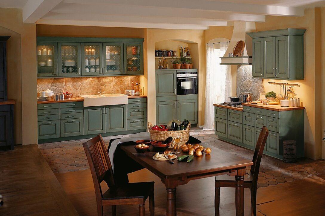 Large Size of Küchen Rustikal Landhauskche In Fichte Und Feige Rustikaler Esstisch Rustikales Bett Küche Regal Holz Wohnzimmer Küchen Rustikal
