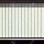 Jalousie Innen Fenster Vertikalen Jalousien Auf Das Bro Lizenzfreie Einbauen Kosten Insektenschutzrollo Schüko Rc 2 Nach Maß Jemako Sicherheitsfolie Felux Wohnzimmer Jalousie Innen Fenster