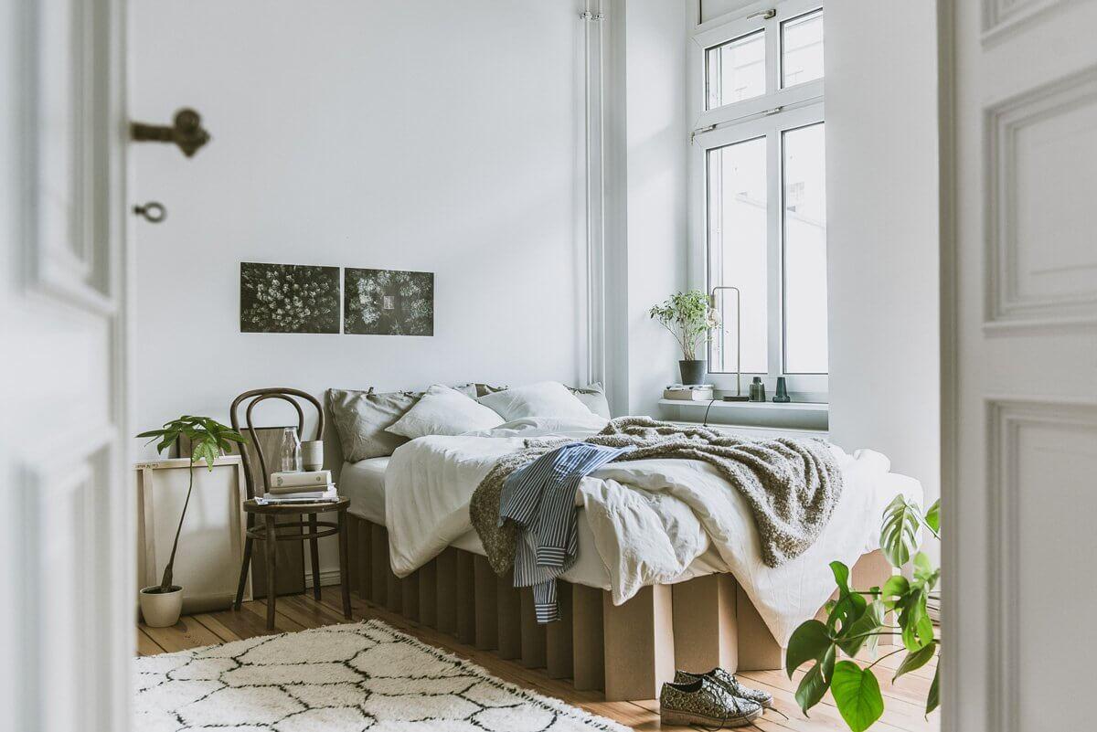Full Size of Pappbett Ikea Room In A Bonachhaltigkeit Zum Reinlegen Baugeld Spezialisten Betten Bei Modulküche Küche Kosten Miniküche Sofa Mit Schlaffunktion 160x200 Wohnzimmer Pappbett Ikea