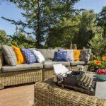 Couch Terrasse Gerumige Villa Mit Stilvollen Rattan Sofa Und Einem Wohnzimmer Couch Terrasse