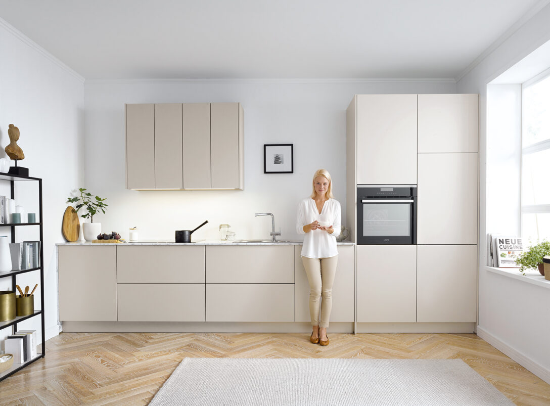 Large Size of Küchenschrank Griffe Grifflose Kche Puristische Kchen Ohne Xxl Ass Möbelgriffe Küche Wohnzimmer Küchenschrank Griffe