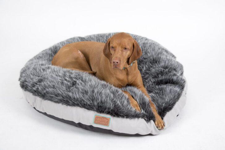 Medium Size of Hundebett Flocke 125 Cm Sofa Sitzhöhe 55 Regal 25 Breit Bett 120 60 Tief Liegehöhe 50 40 20 Tiefe 30 80 Hoch Wohnzimmer Hundebett Flocke 125 Cm