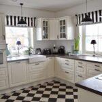 Einblick In Unsere Kche Und Ein Diy Fr Rollos Haus Kchen Küchen Regal Raffrollo Küche Wohnzimmer Küchen Raffrollo