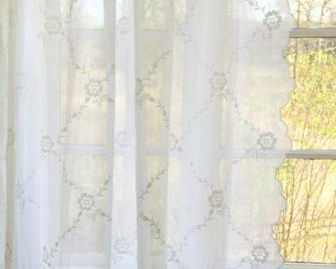 Gardinen Schlafzimmer Landhausstil Wohnzimmer Gardinen Schlafzimmer Landhausstil Landhaus Kommoden Küche Deckenleuchten Wohnzimmer Regal Lampe Rauch Teppich Wandbilder Fenster Wandlampe Vorhänge Bett